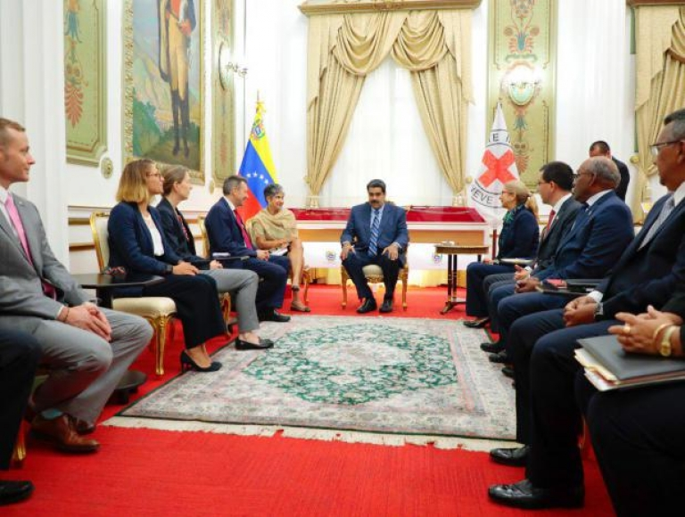 Presidente Maduro sostuvo encuentro con representantes de la Cruz Roja
