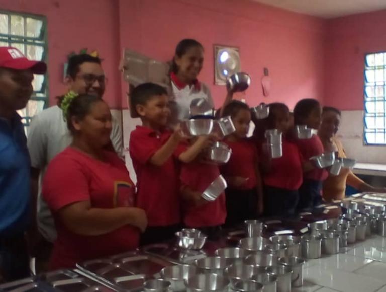 Escuelas de Amazonas son favorecidas con dotación escolar