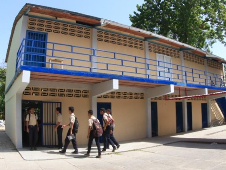 U.E.N Juan Vicente Bolívar y L.B.T.D Saúl Albano en Aragua cuentan con nueva cocina-comedor