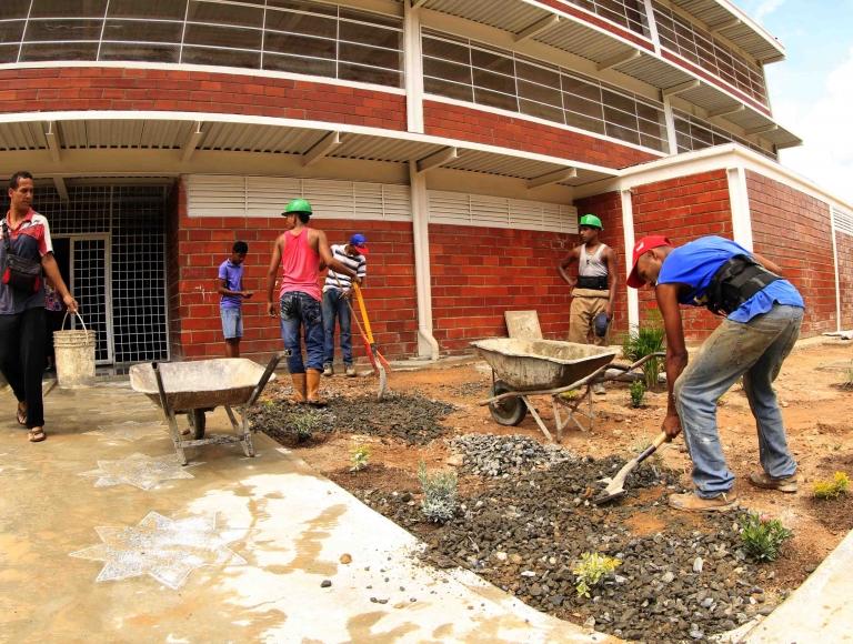 """Gobierno Bolivariano inspeccionó avances de culminación de la UEN """"Ciudad Belén"""" en Guarenas"""