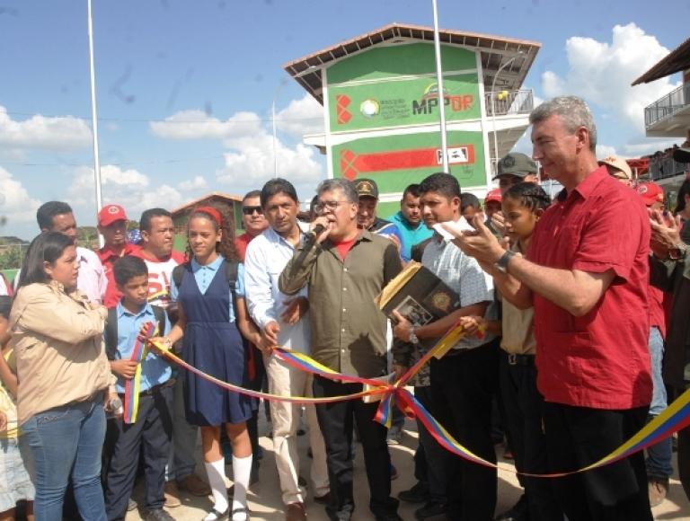 Gobierno Bolivariano inauguró Liceo Ezequiel Zamora 200 en Santa Inés